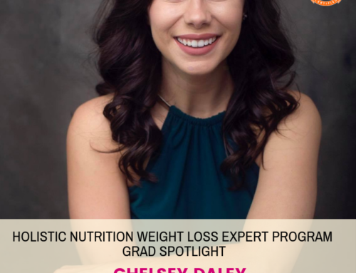 GRAD SPOTLIGHT: Strawberry Banana Weight Loss Smoothie with Holistic Nutrition Weight Loss Expert Grad Chelsey
