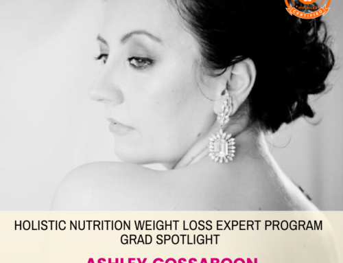 GRAD SPOTLIGHT: Strawberry Oat Weight Loss Smoothie with Holistic Nutrition Weight Loss Expert Grad Ashley Cossaboon